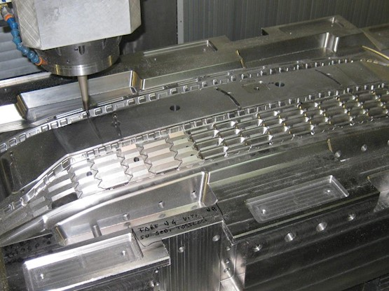 Thermoplastic mould construction